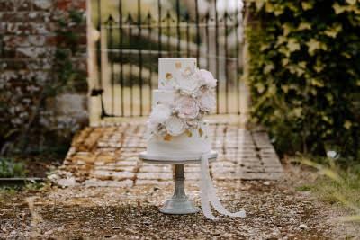 Luxury wedding cake Dorset