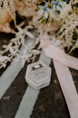 Wedding ring and engagement ring set - gents