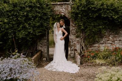 Walled garden at Edmondsham House wedding photo inspiration