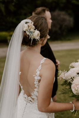 Lace wedding dress straps