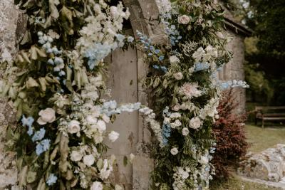 Luxury wedding flower arch details