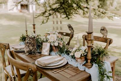Wedding table styling rustic blues