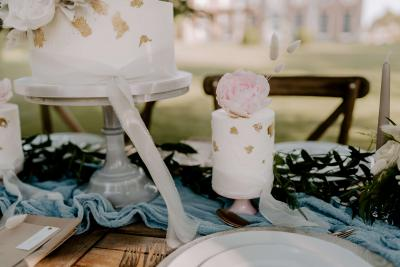 Mini wedding cake with sugar flowers