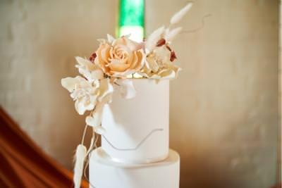 Sugar flowers on a luxury boho wedding cake - Lisa Notley Cake Design