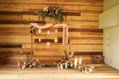Boho wedding table plan arch & Flowers